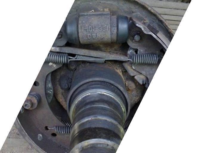 Замена тормозных колодок Форд Транзит